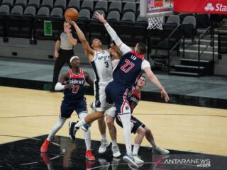 NBA : Dejounte Murray cetak triple-double bawa Spurs kalahkan Wizards